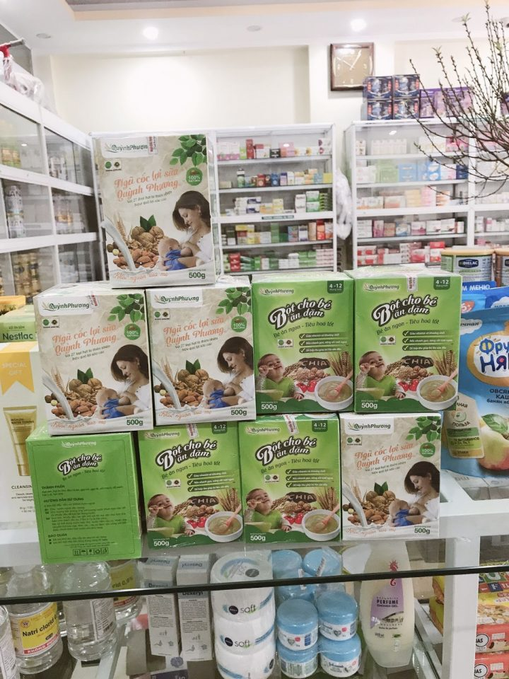 Pha bột ăn dặm cho trẻ 4 tháng tuổi