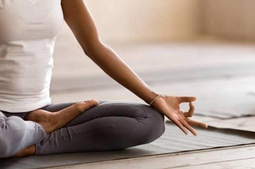 Tập thể dục mà một trong những cách giúp mẹ bầu giảm stress sau sinh
