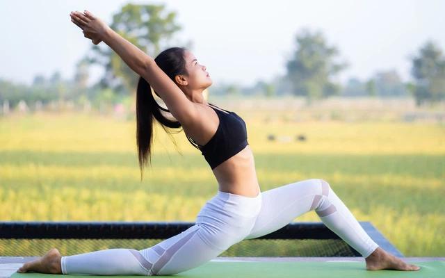 Uống ngũ cốc giảm cân kết hợp với tập luyện để có được thân hình cân đối