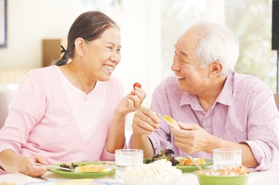 Người già cũng có thể sử dụng bột ngũ cốc ăn kiêng