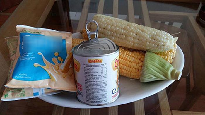 Chuẩn bị nguyên liệu làm sữa ngô cho trẻ