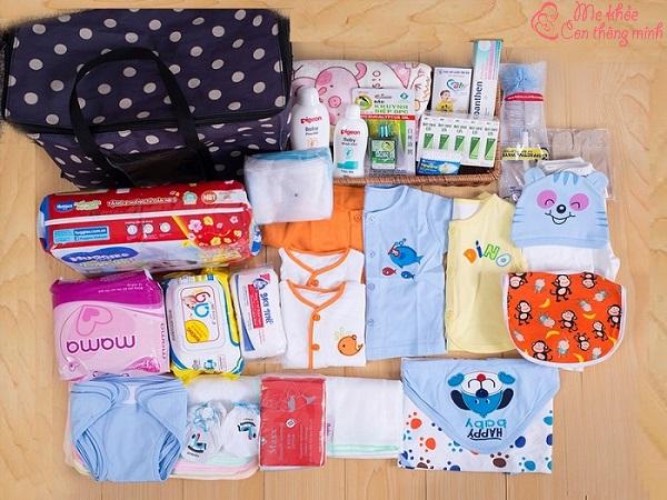 Chọn loại vải mềm và thoáng mát cho quần áo của trẻ