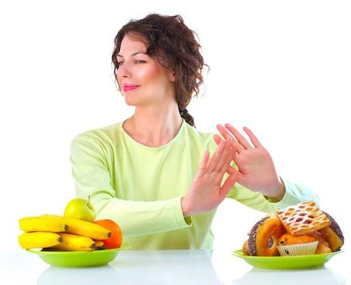 Phụ nữ sau khi đẻ mổ nên kiêng ăn gì