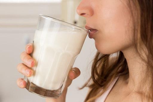 sau sinh mổ có nên uống sữa ông thọ hay không